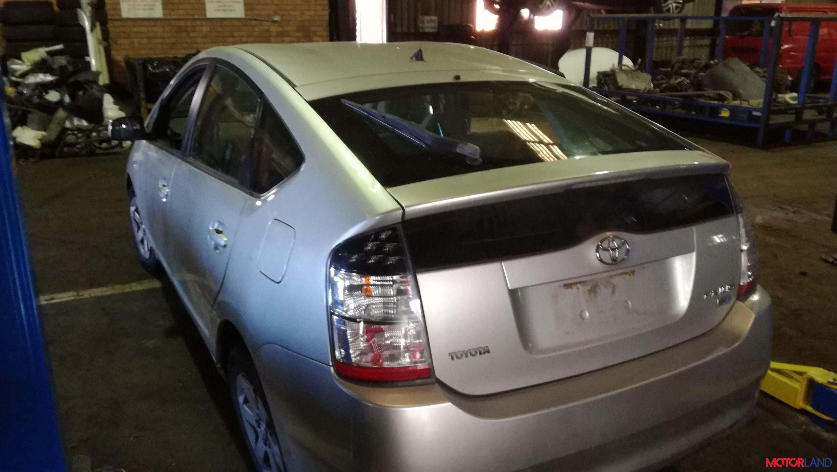 Toyota Prius — Википедия