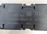 3C8035552 Усилитель антенны Volkswagen Passat CC 2008-2012 5207296 #1