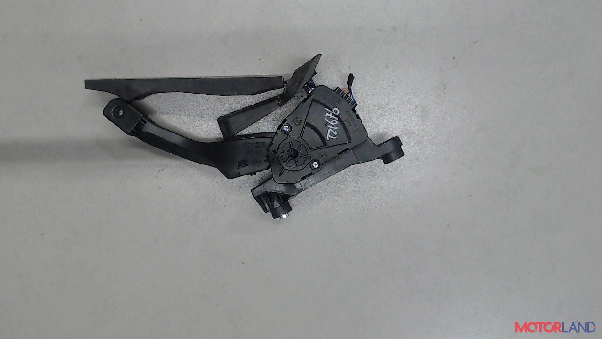 Педаль Hyundai i40 2015- 1.7 л. 2016 D4FD б/у #1