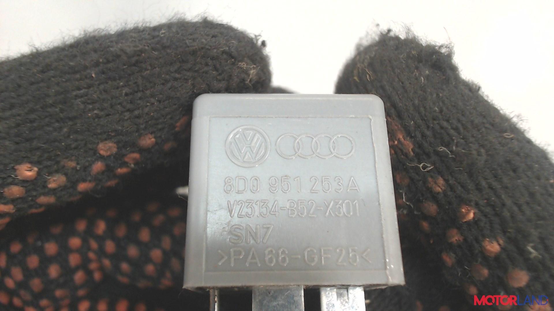 Реле прочее Audi A6 (C6) 2005-2011 2 л. 2006 BRE б/у #2