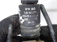 Двигатель (насос) омывателя Volkswagen Passat 5 1996-2000 6756625 #2